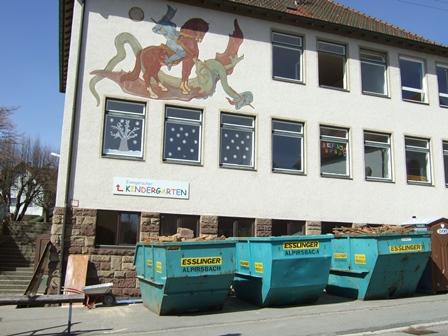 """Umbau- und Sanierungsmaßnahmen am Gebäude """"Alpirsbacher Straße 15"""" schreiten voran"""