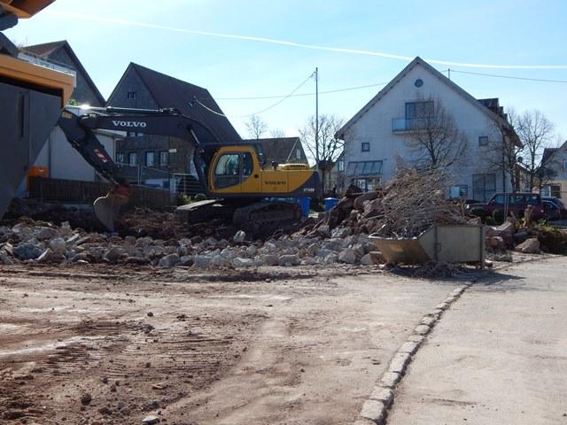 Ehemaliges Haus Wernz wurde abgebrochen, sodass der Errichtigung des Mehrfamilienhauses nichts mehr im Wege steht