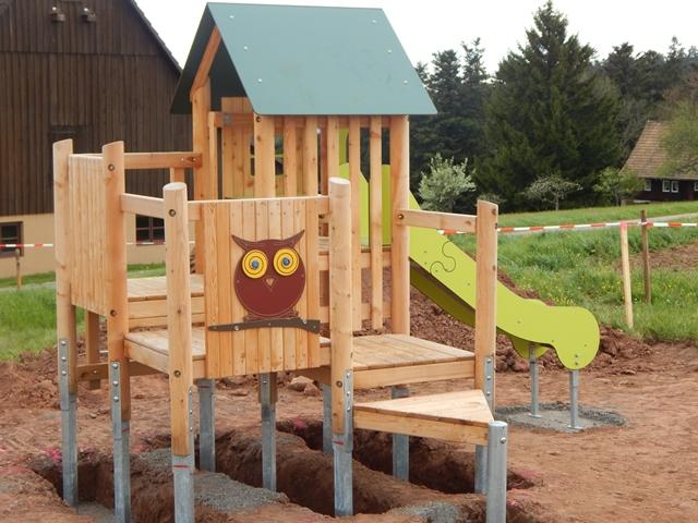 """Bau des neuen Spielplatzes im Baugebiet """"Alter V"""" begonnen"""
