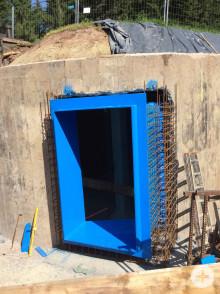 Fertig montierte Zarge in der neuen Andockstation am bestehenden Behälter